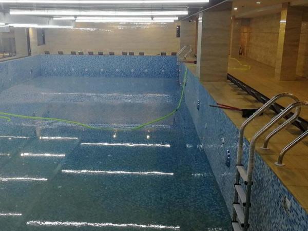 上海某办公大楼地下一层增游泳池加固