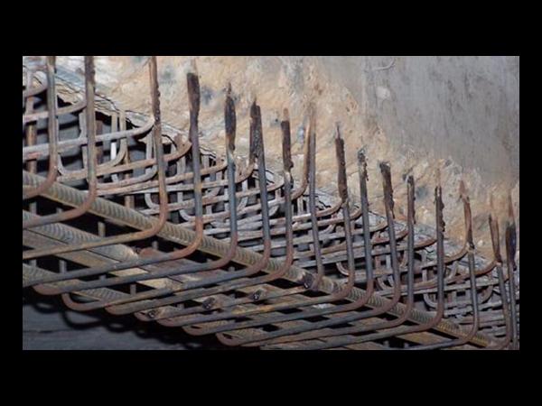 混凝土柱子增大截面如何加固及设计?
